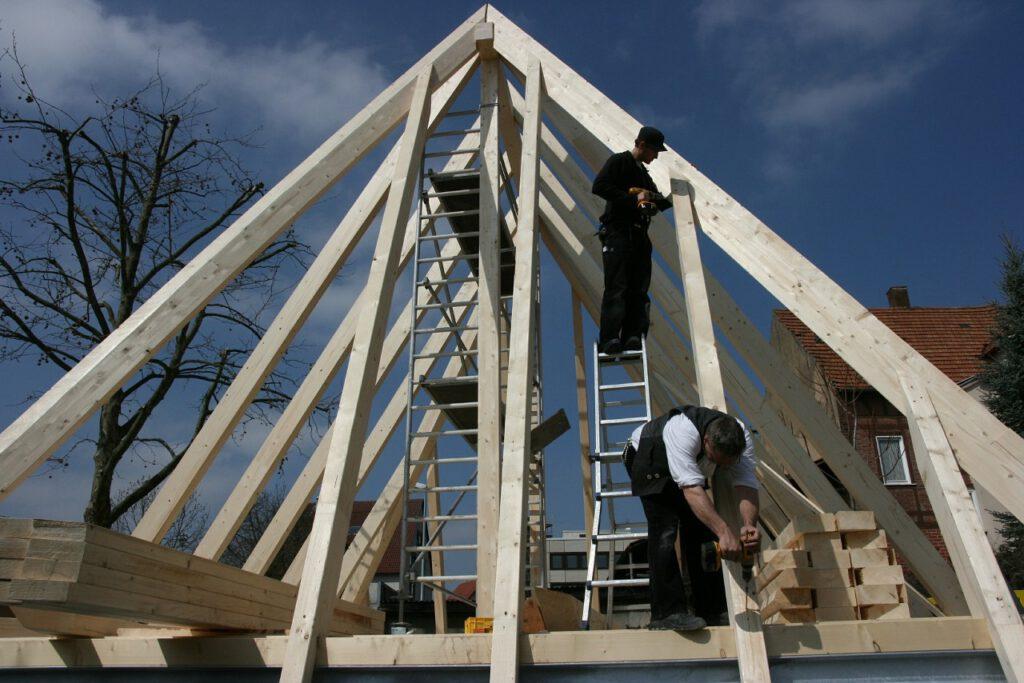 Ohne den Zimmermann wäre ein klassischer Hausbau nicht denkbar